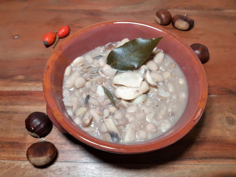 Zuppa Castagne e Fagioli alla Beneventana